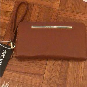 Steve Madden spacious wallet wristlet nwt
